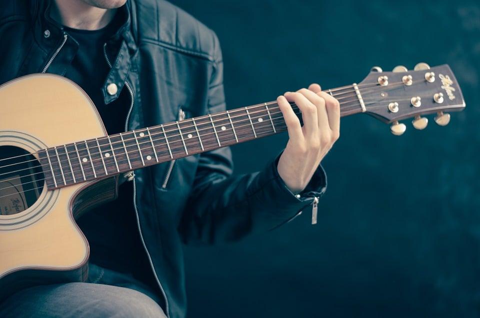 Comment choisir une guitare classique ?