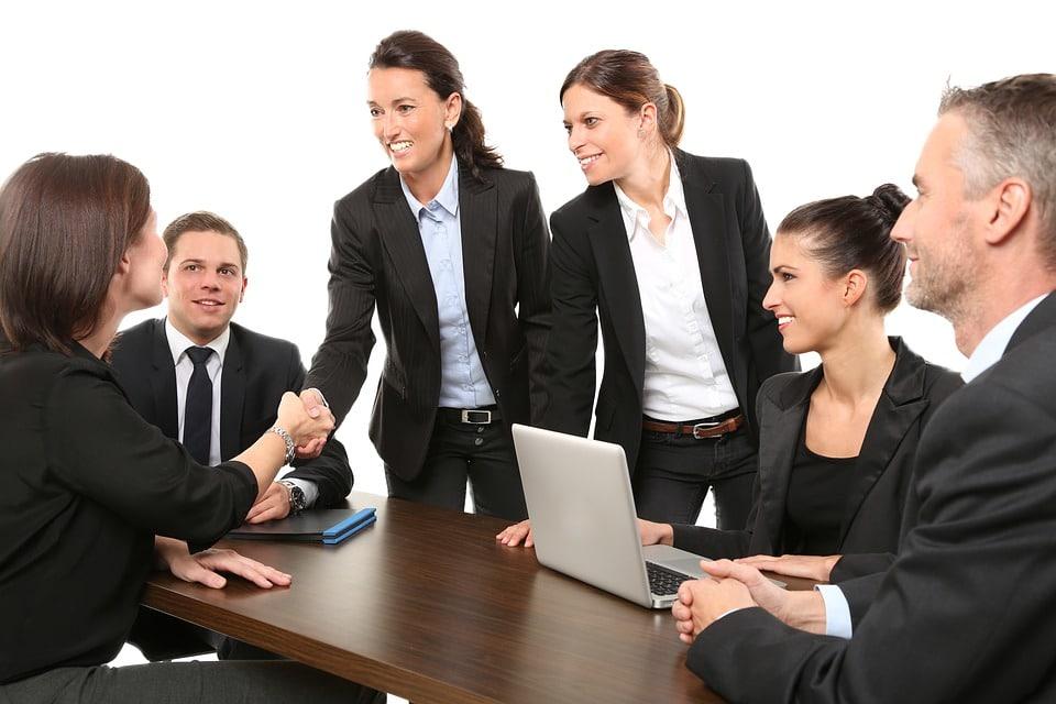 5 raisons pour lesquelles il est important de porter l'uniforme de l'entreprise