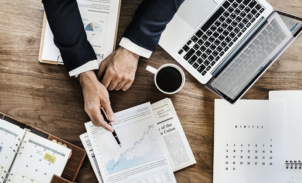 Stratégies de communication : comment les entreprises peuvent toucher leurs clients