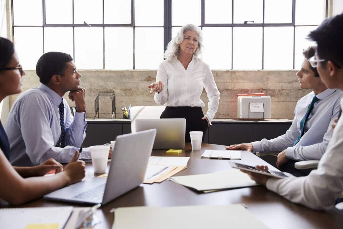 Manager de transition : SASU ou portage salarial, quel statut choisir ?